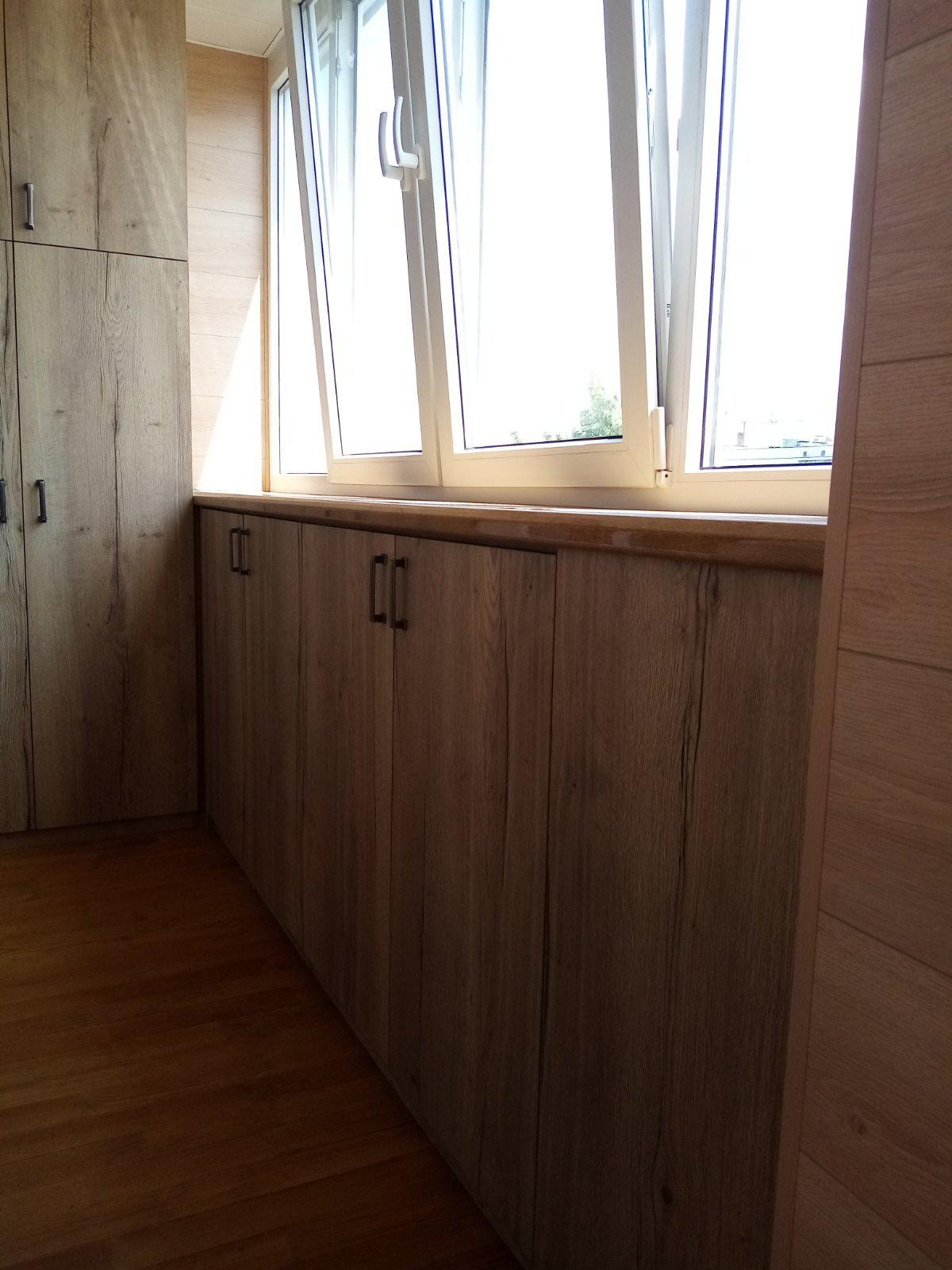 Комплект мебели на балкон (шкафы+тумбы)